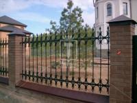 Забор с элементами в виде подков (Арт. 022)