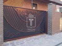 Откатные кованые ворота с венецианской сеткой (Арт. 096)