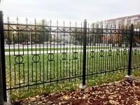 Металлический забор с прямоугольниками и пиками (Арт. 108)