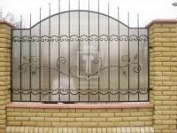 Забор с поликарбонатом и узором с листочками (Арт. 028)