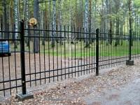 Металлический забор с пиками (Арт. 111)